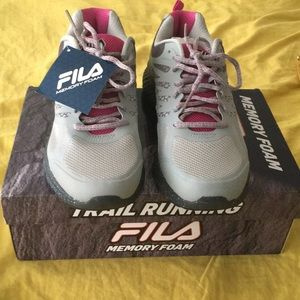 NIB FILA WOMEN'S MEMORY FOAM RUNNING 🏃‍♀️SNEAKERS
